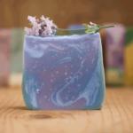 Handgesiedete Naturseife Lavendel - Ein Sommertag in der Provence.