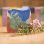Handgesiedete Naturseife Garten - die Freundin des Alltags