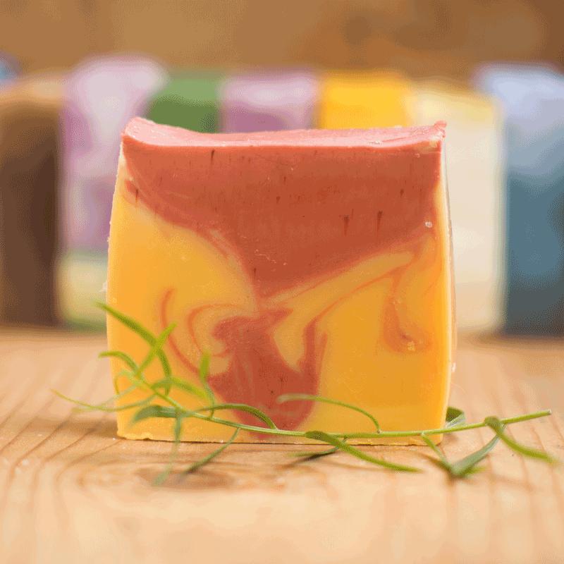 Handgesiedete Naturseife Rosmarin-Zitrone - für eine unwiderstehliche Frische